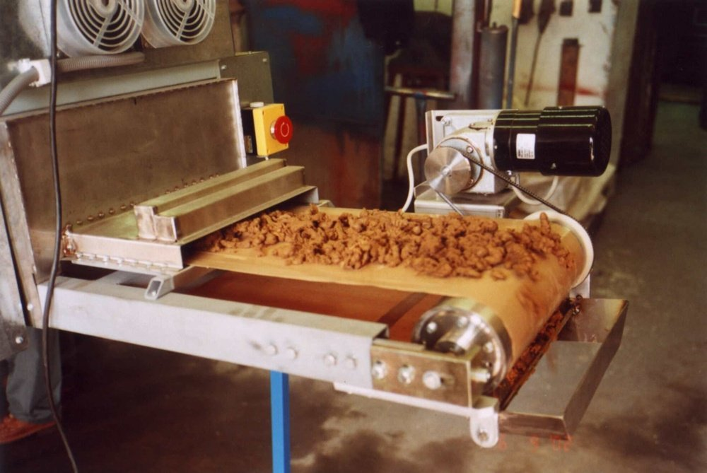 Dryed granules of cakes on 97% of solids<br />